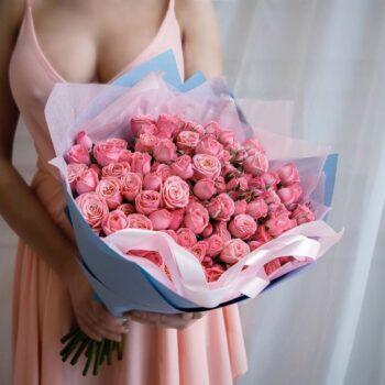 Ароматный букет с пионовидной розой
