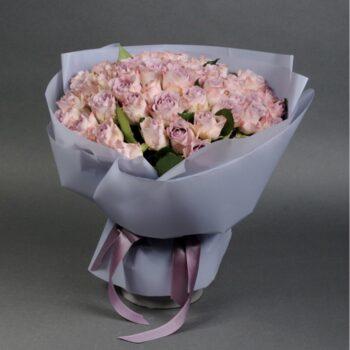 Букет из 51 розы Мемори Лейн