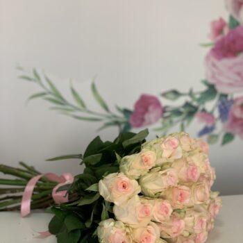 Букет из 25 импортных роз!