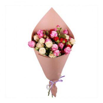 Букетик из кустовой розы